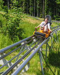 Teenager im Alpine-Coaster