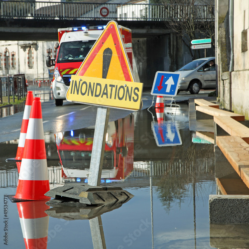 Leinwanddruck Bild inondation d'une rue