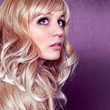 Portrait blonde Frau mit Locken / alterable 12