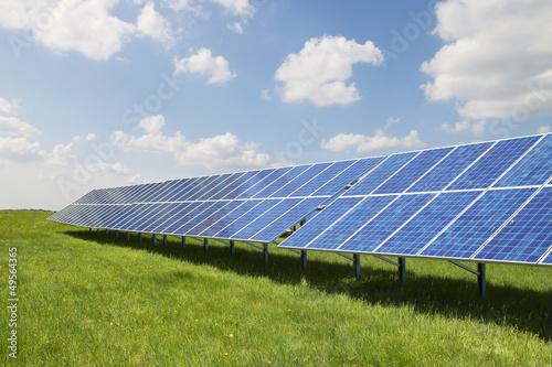 Leinwanddruck Bild Freifläche Solaranlage 2
