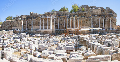 Side Nymphaeum Fountain Ruins 03