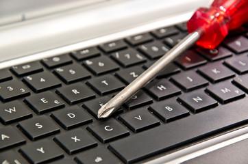 Tastatur Schraubenzieher