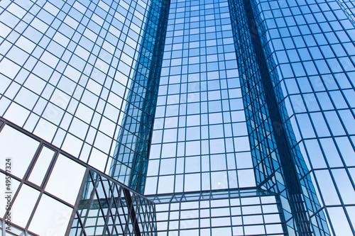 Deurstickers Aan het plafond Glasfassade eines Hochhauses - Bank
