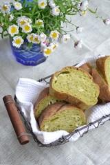 手作り抹茶フランスパンとハナカンザシ