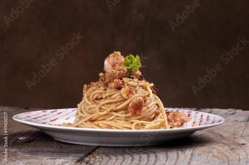 spaghetti with pesto and shrimp with toasted breadcrumbs