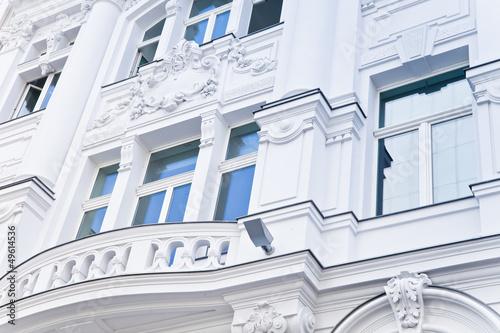 Fotobehang Berlijn noble Wohnung in Berlin - weißes Haus