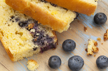 cornbread with blueberry