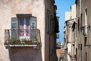 balcone finestra al sole