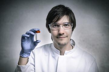 Forscher präsentiert Medikament