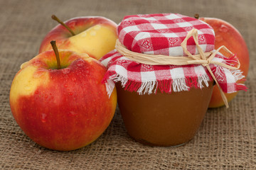 Apfelkonfituere