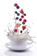 latte splash con frutti di bosco