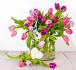 Frühlings-Blumenstrauß mit Holz-Herz