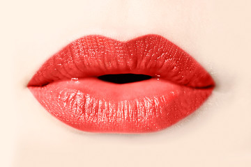 Bouche de femme rouge