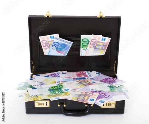 Koffer voller Geldscheine