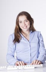 chica joven secretaría