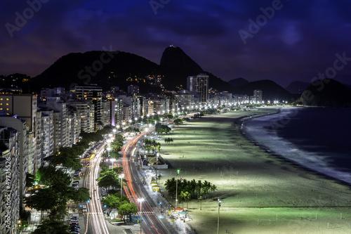 copacabana-plaza-przy-noca-rio-de-janeiro-brazylia
