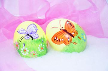 Ostereier mit Schmetterling