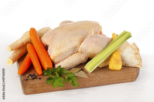 Suppenhuhn mit Suppengemüse