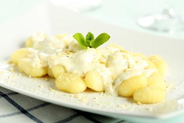 gnocchi di patate con crema di formaggio
