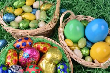 Osterkörbchen auf Ostergras