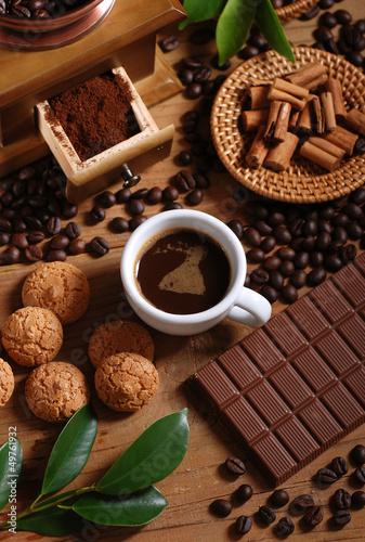 Plexiglas Cafe tazza di caffè espresso con macinino in legno