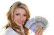 Frau mit Schweizer Franken Geldscheinen