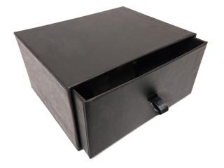 Schwarze Schublade