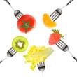 Fruits et légumes piqués sur des fourchettes