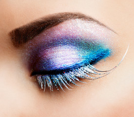 Eye Makeup. Beautiful Eyes Glitter Make-up
