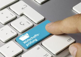 Wirtschaftsprüfung Tastatur Finger