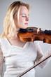 Violinistin eins mit dem Instrument