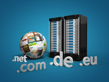 3 Webserver mit Webdesign Kugel und Top-Level-Domains blau