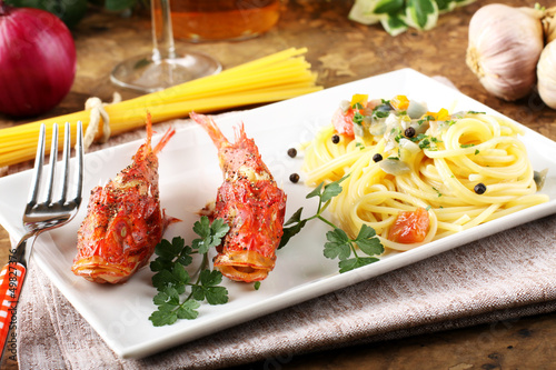 Spaghetti with fresh seafood broth