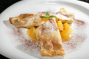 Quarkpfannkuchen mit Orangen