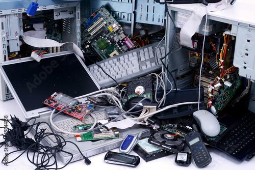 Rohstoff Elektroschrott: Alte Computer und Handys - 49844158