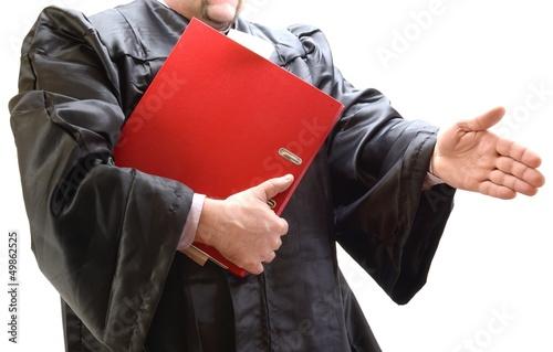Rechtsanwalt in Robe mit Kladde