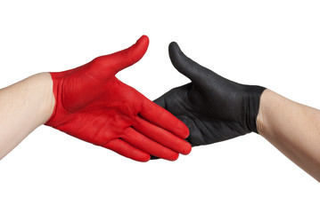 handschlag zwischen roter und schwarzer hand