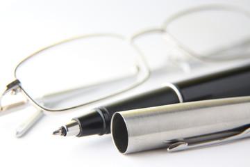 Stift mit Brille