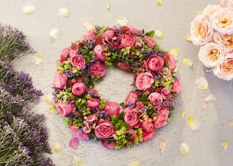 Blumen, Blüten, Blumengesteck, gebunden, Dekoration,