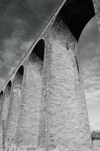 Bridge arches