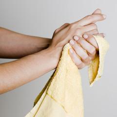 Hände abtrocknen