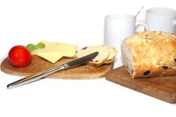 Frühstück mit Weißbrot