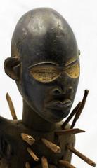 Fétiche à clous africain - Statuette - visage