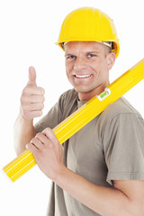 Bauarbeiter zeigt Daumen
