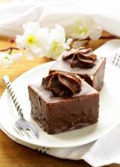 Mini chocolate cake with marshmallow cream