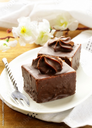 Mini chocolate cake with marshmallow cream