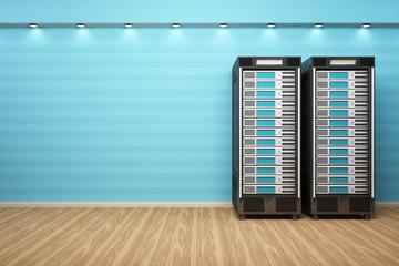 2 Webserver vor blauer Wand