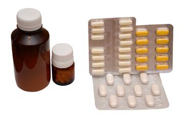 medetsinskie pills on white background