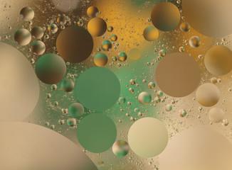 de l'huile dans l'eau
