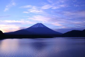 Daybreak Mt. Fuji and Lake Motosu